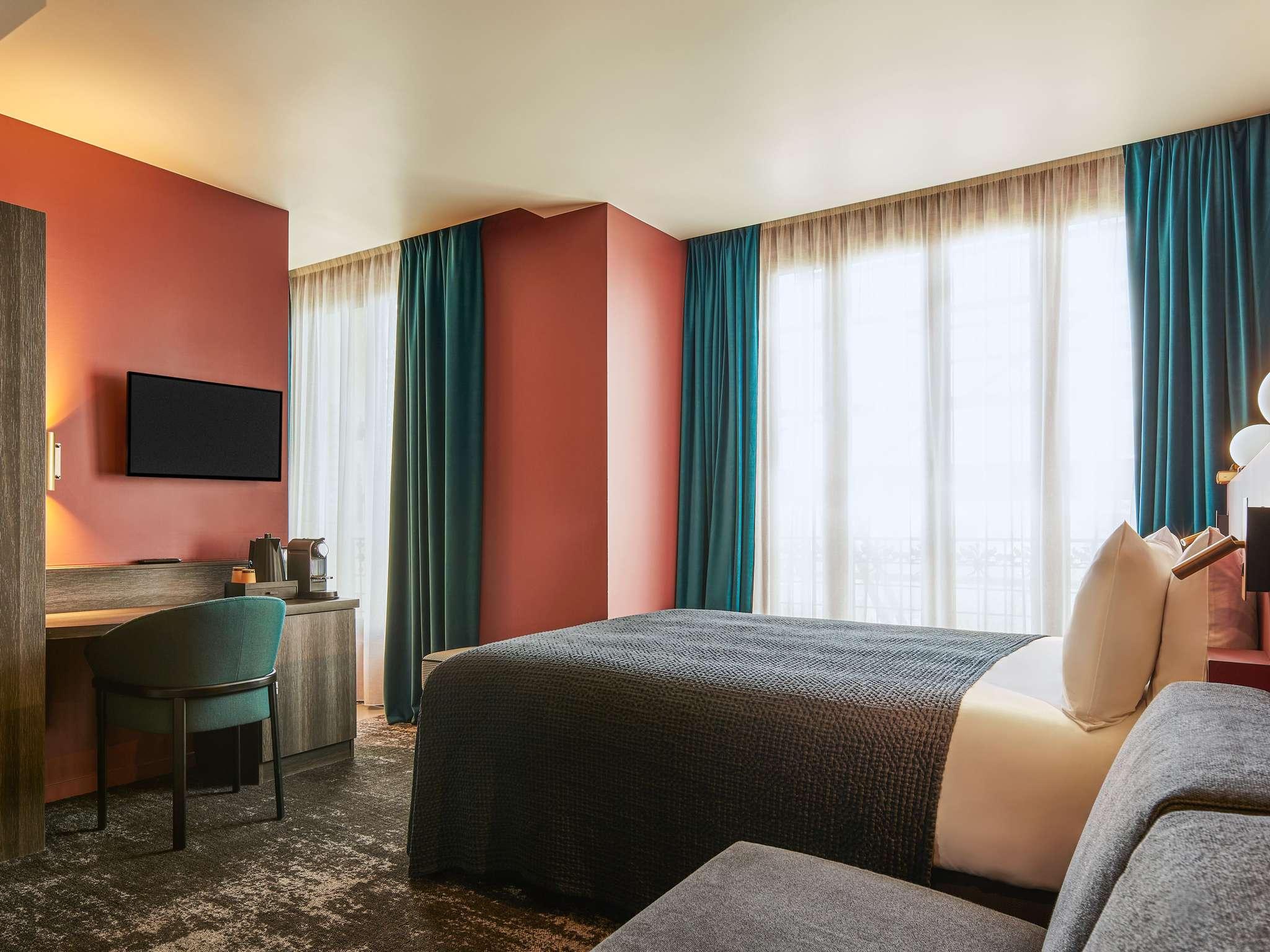 Mercure Tour Eiffel Pont Mirabeau