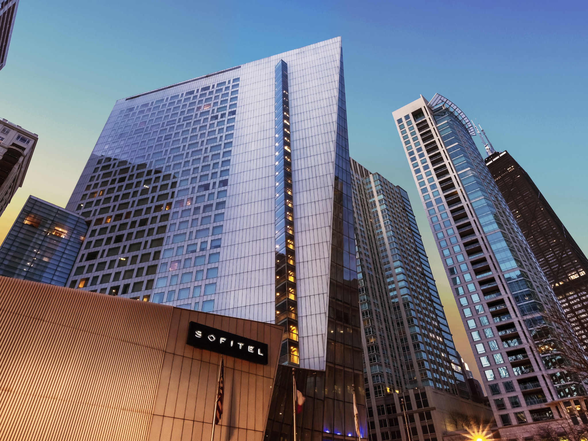 โรงแรม – Sofitel Chicago Magnificent Mile