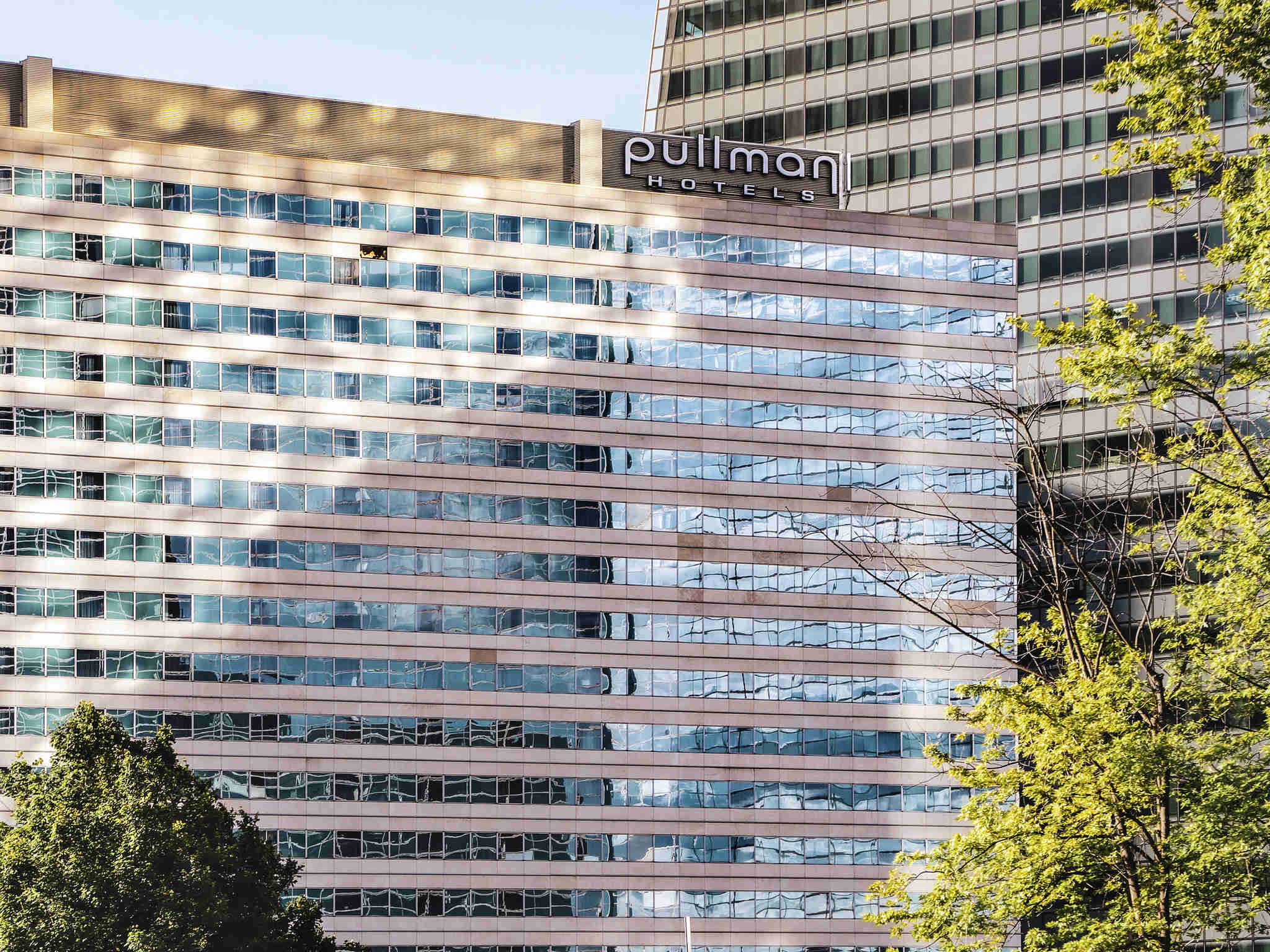 Отель — Pullman Париж Ла Дефанс
