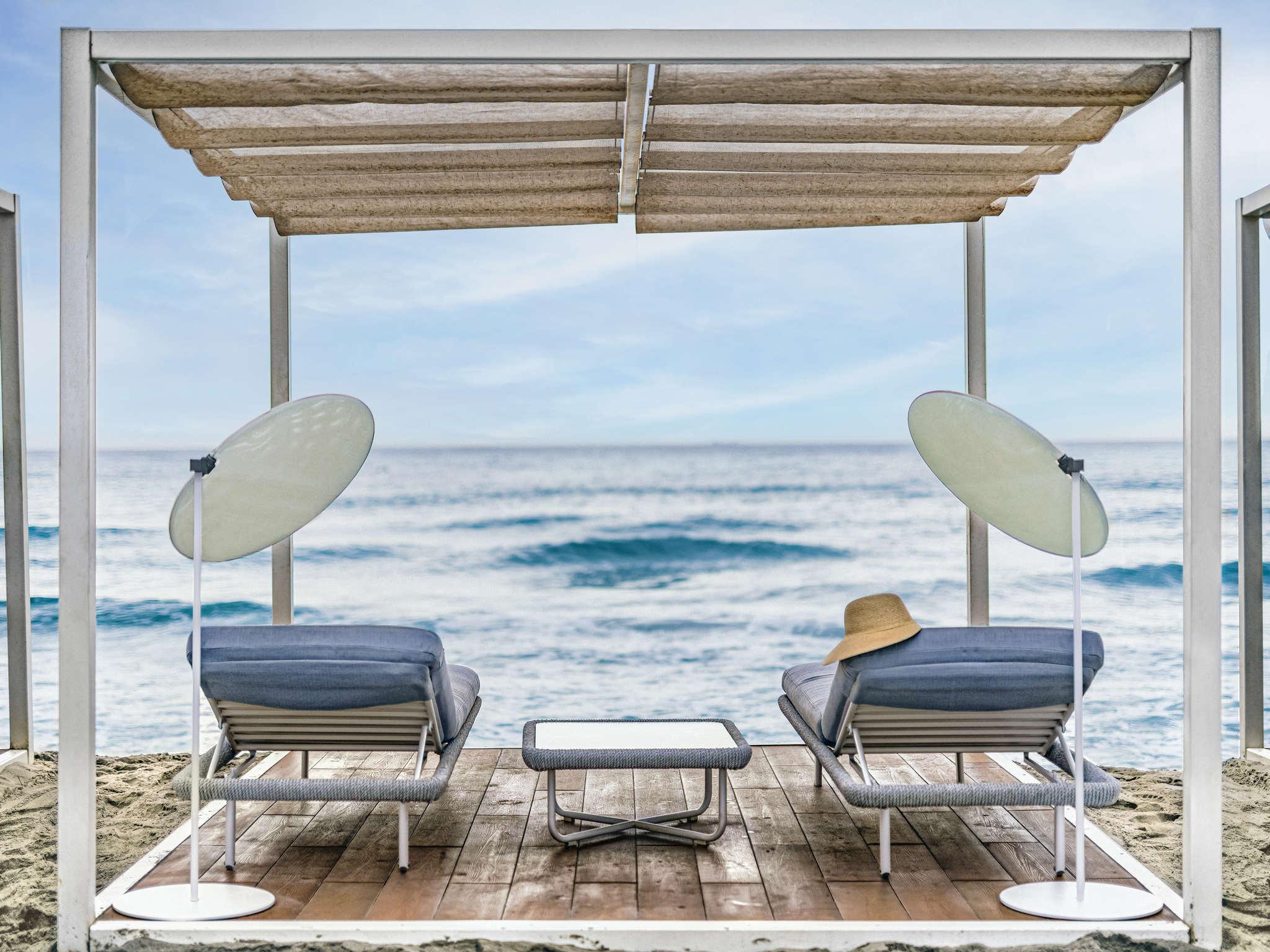 Отель — Pullman Timi Ama Sardegna