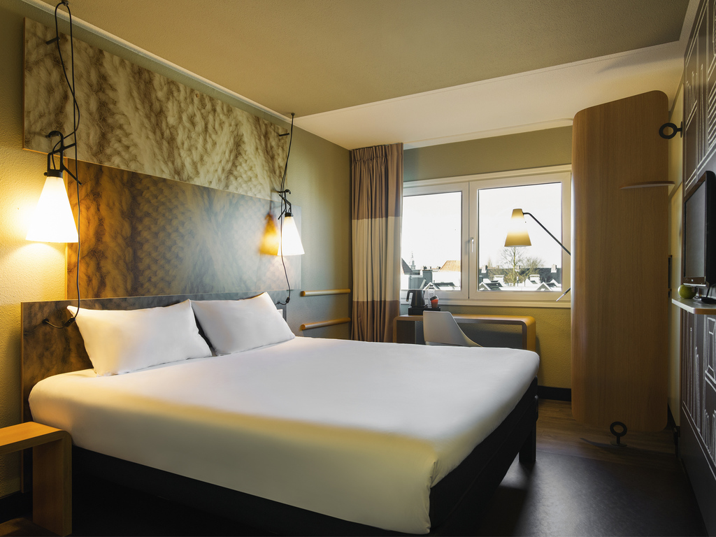 Cheap hotel amsterdam stopera ibis in the city centre for Ibis hotel amsterdam