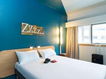 hotel pas cher pantin ibis budget paris porte de pantin. Black Bedroom Furniture Sets. Home Design Ideas