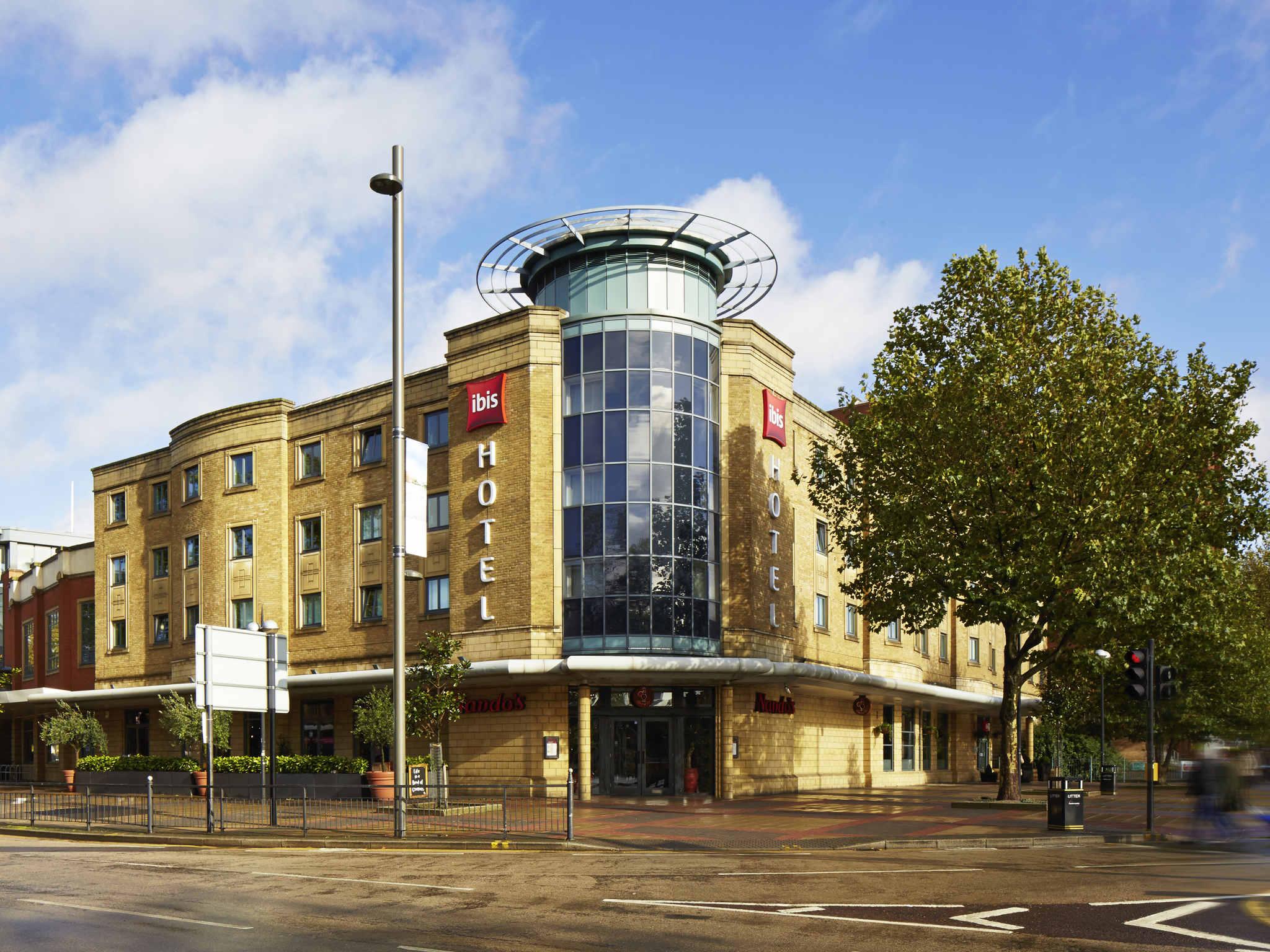 Отель — ibis Лондон Стратфорд