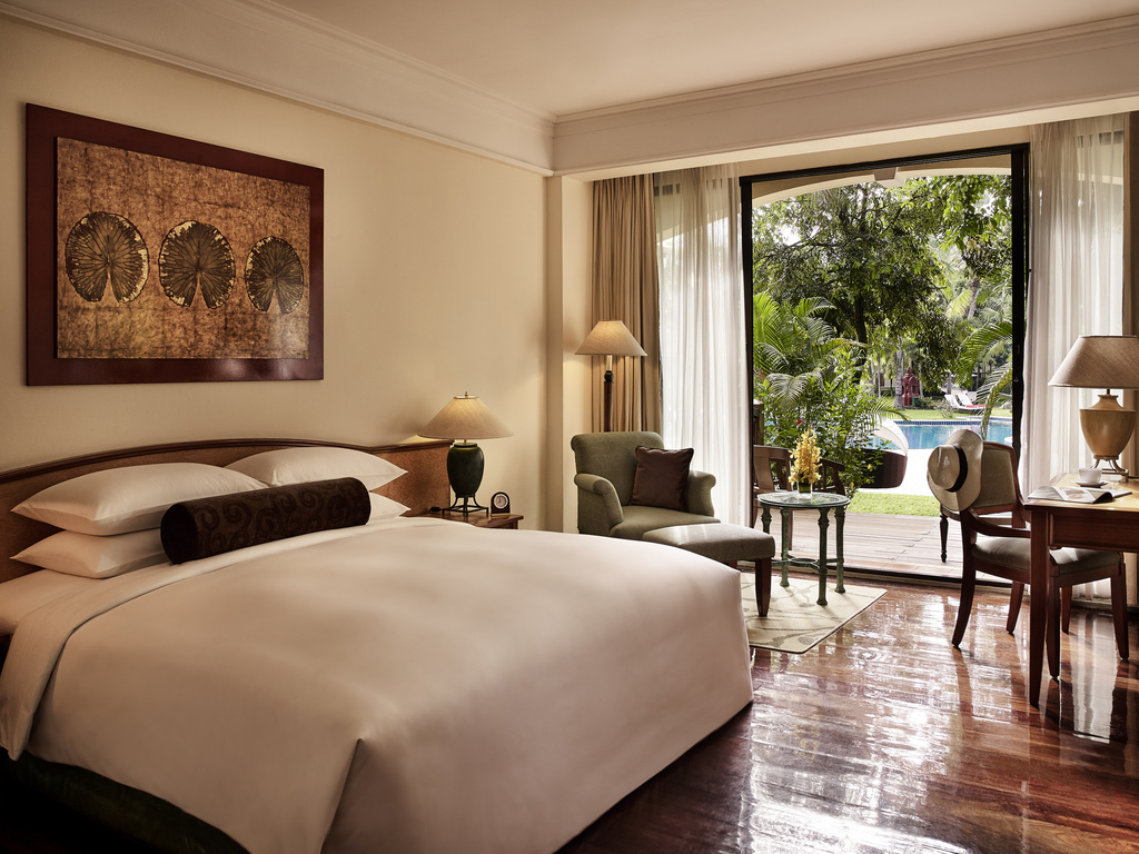 SUPERIOR ROOM, 1 King Size Bed, Garden, Lagoon Or Swimming Pool View