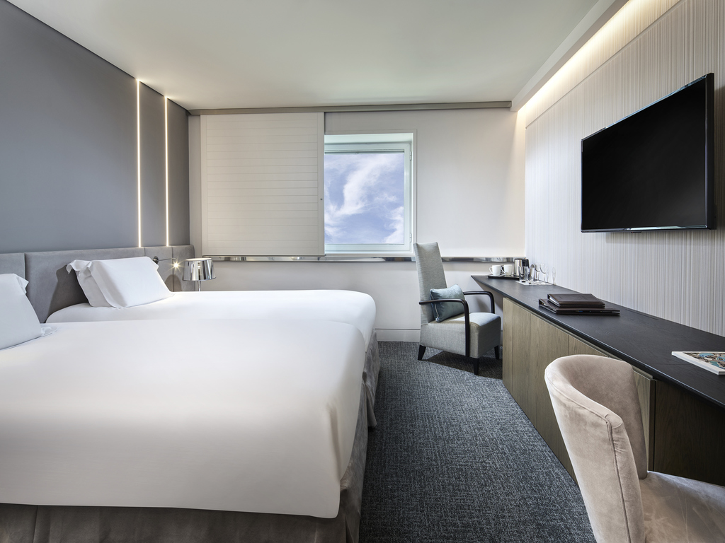 Luxury Hotel Spata Sofitel Athens Airport Esprit Sheet Set Geo Astec King Size Superior Room 2 Single Beds Floors 1 View
