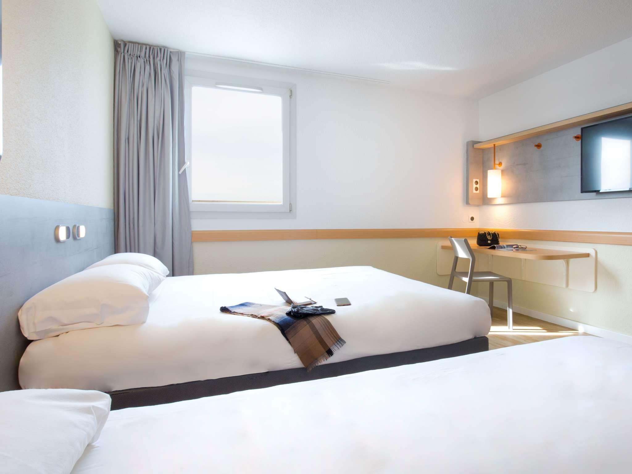 Hotel in FREJUS ibis bud Fréjus Saint Raphael Centre et Plage