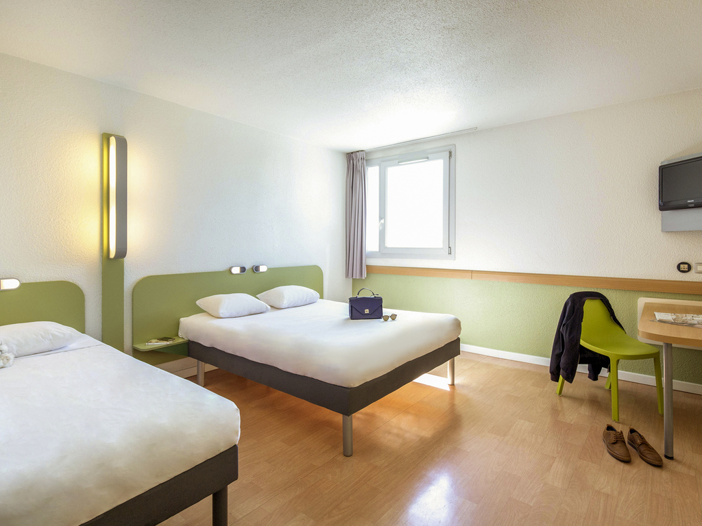 goedkoop hotel frejus ibis budget fr233jus saint raphael