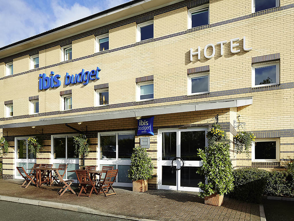 Hotel Ibis Budget Stains Stains