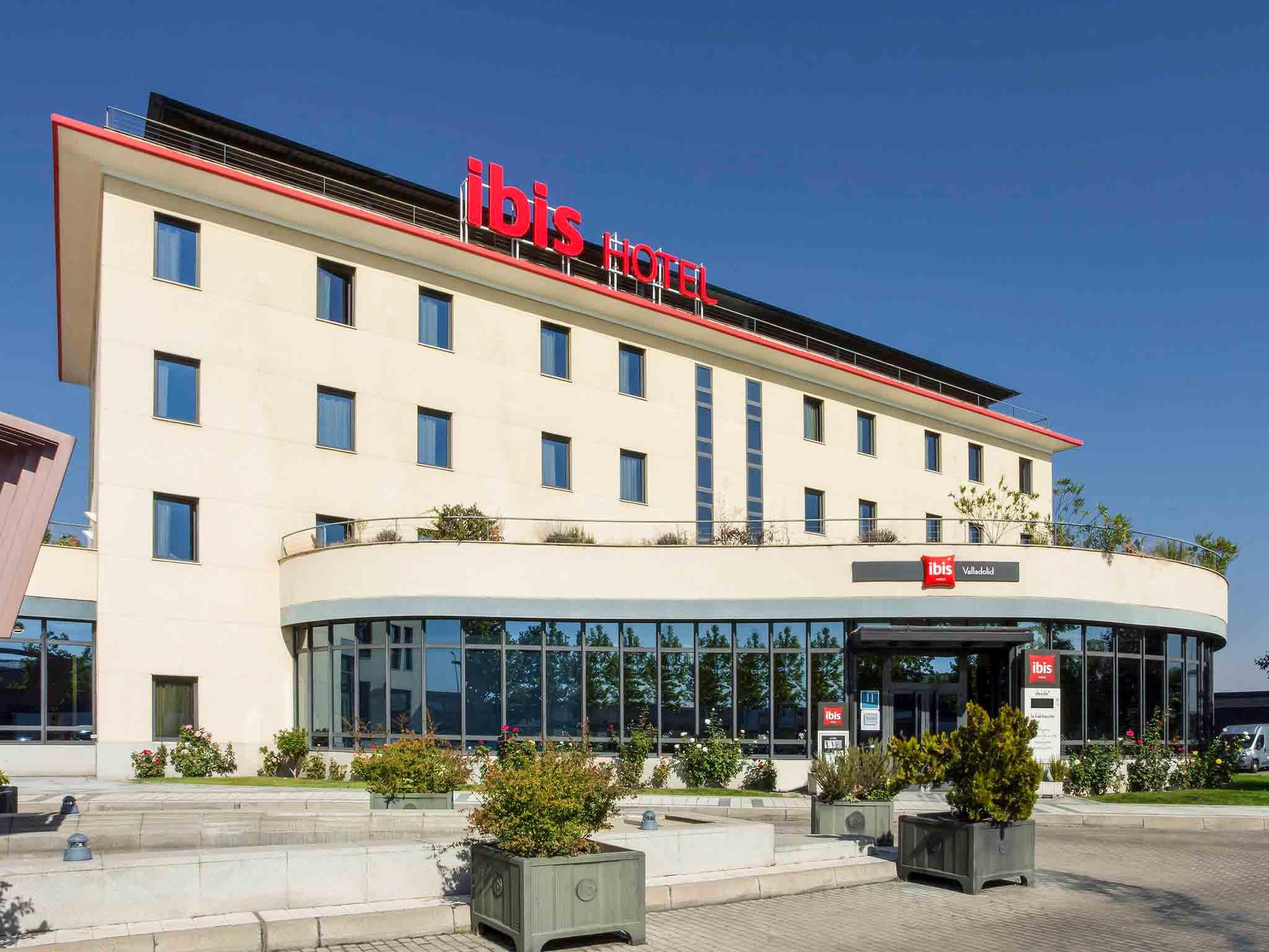Отель — ibis Valladolid
