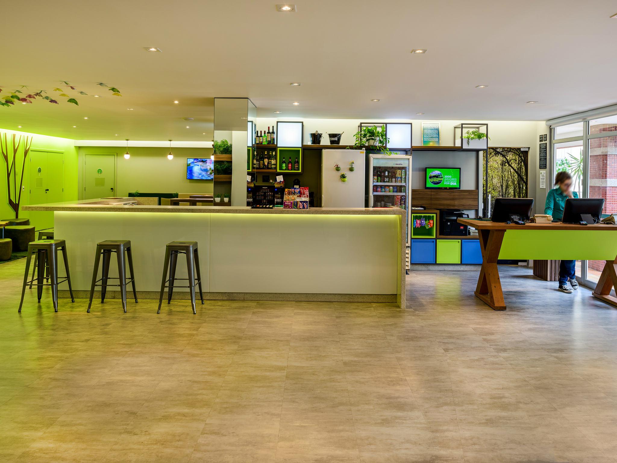 Hotel – ibis Styles Curitiba Centro Civico
