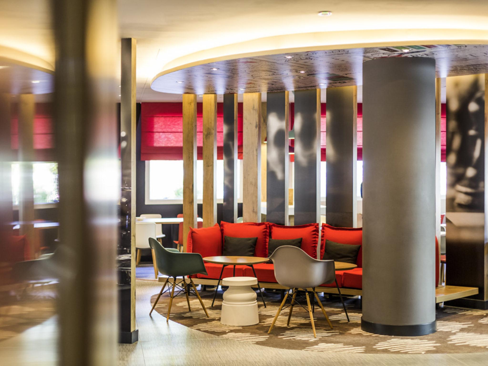 Отель — ibis Barcelona Castelldefels