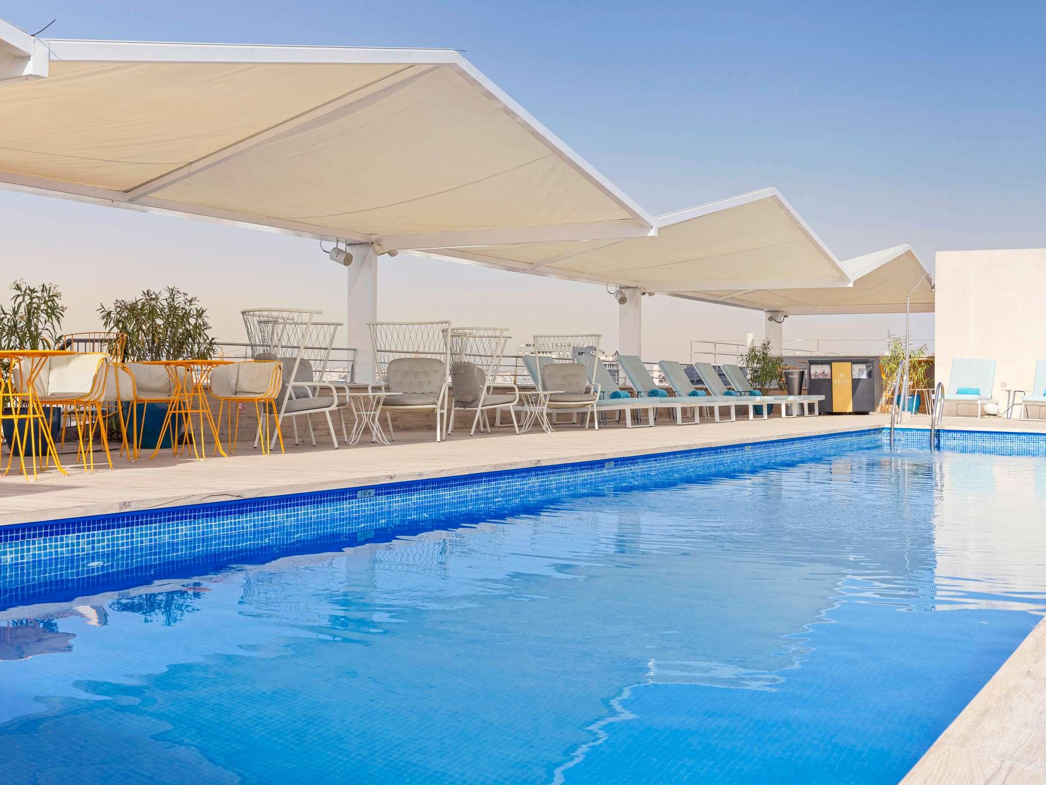 Hotell – Novotel Sevilla