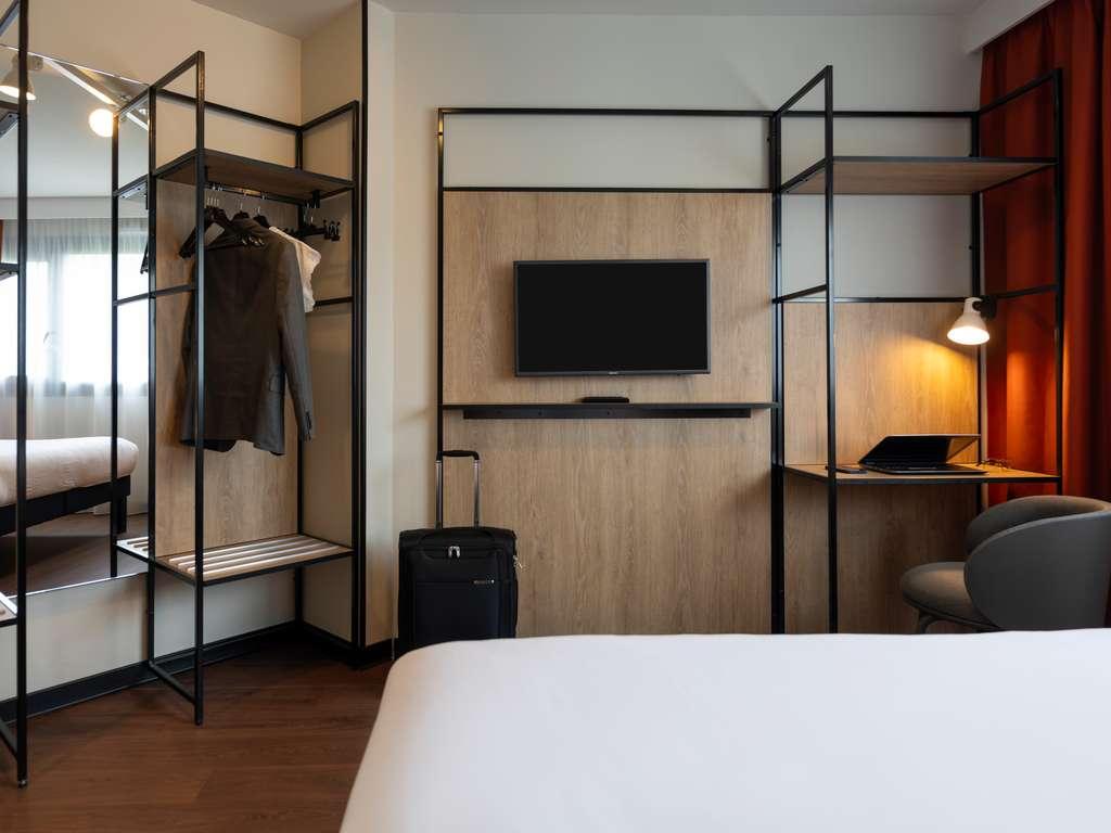 hotel pas cher paris ibis paris gare de lyon diderot 12 me. Black Bedroom Furniture Sets. Home Design Ideas