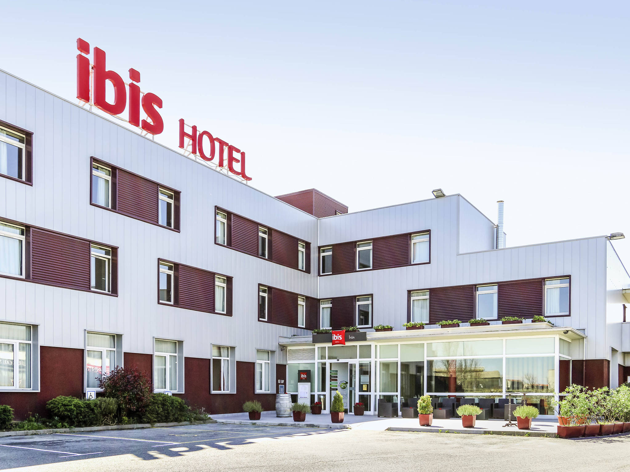 Hotel in IRUN Book your Ibis hotel 5m from central Irun