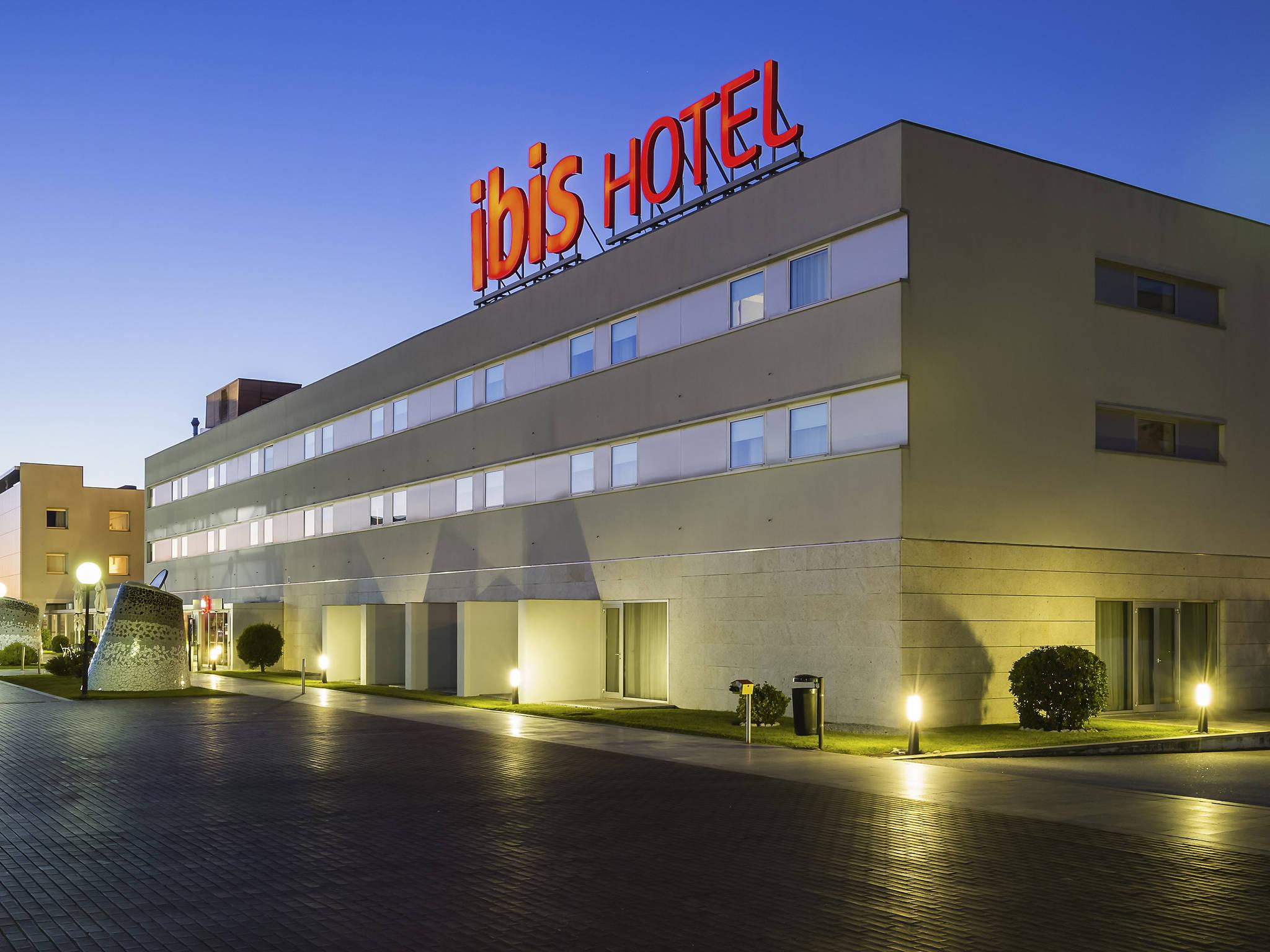 Отель — ibis Порту Сан-Жуан