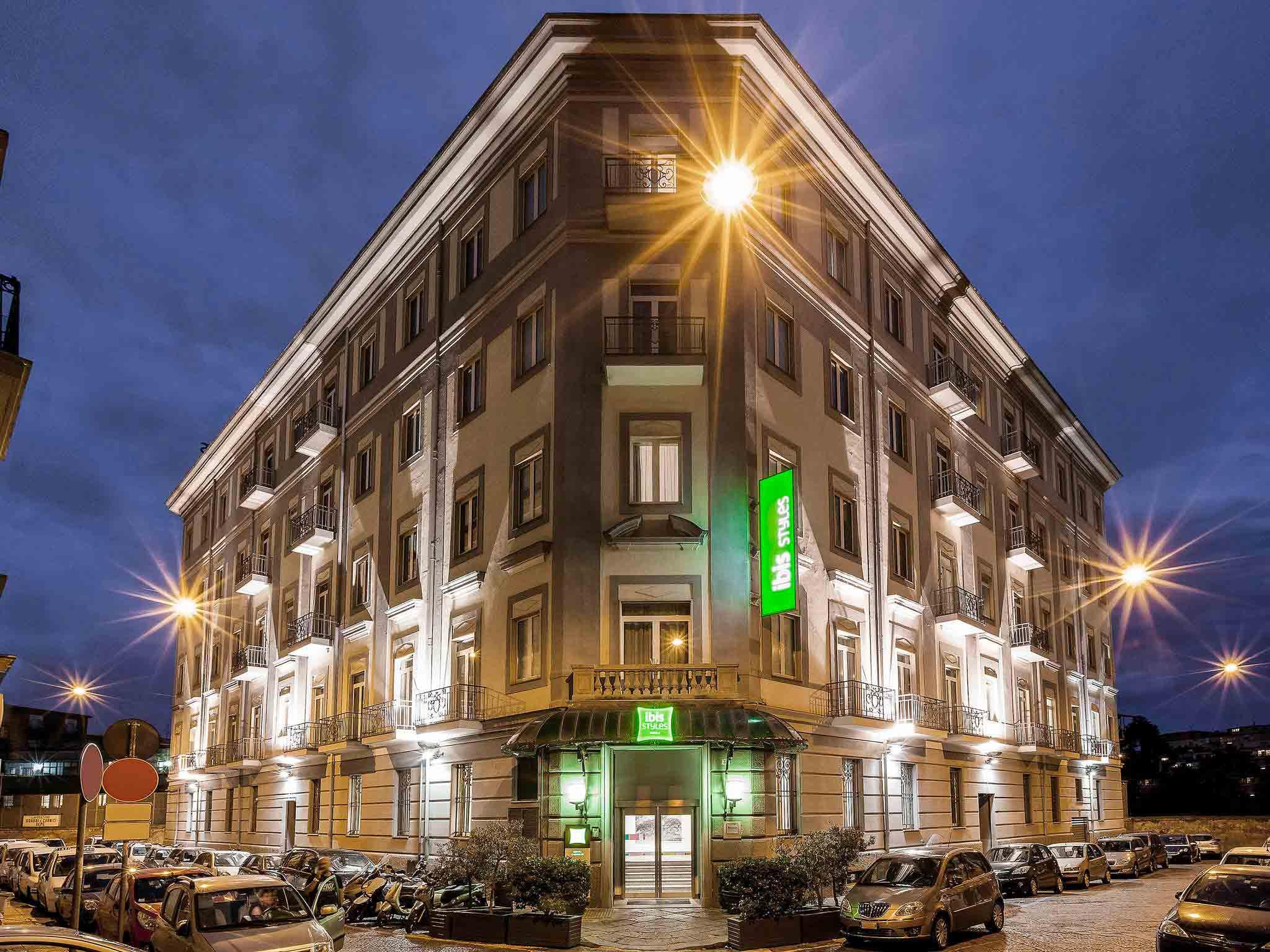 โรงแรม – ibis Styles Napoli Garibaldi