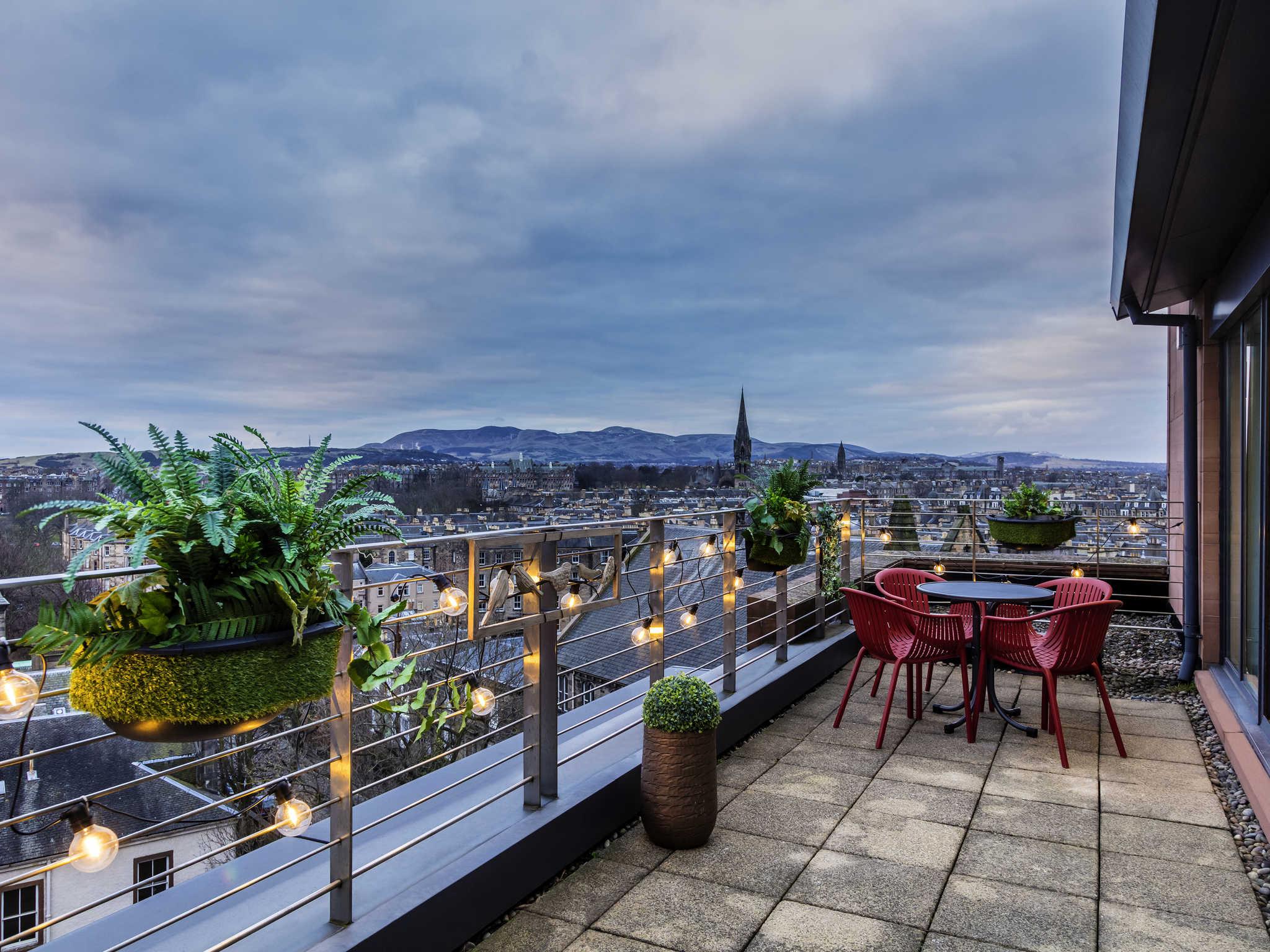 Novotel Edinburgh Centre | Luxury Hotel in Edinburgh