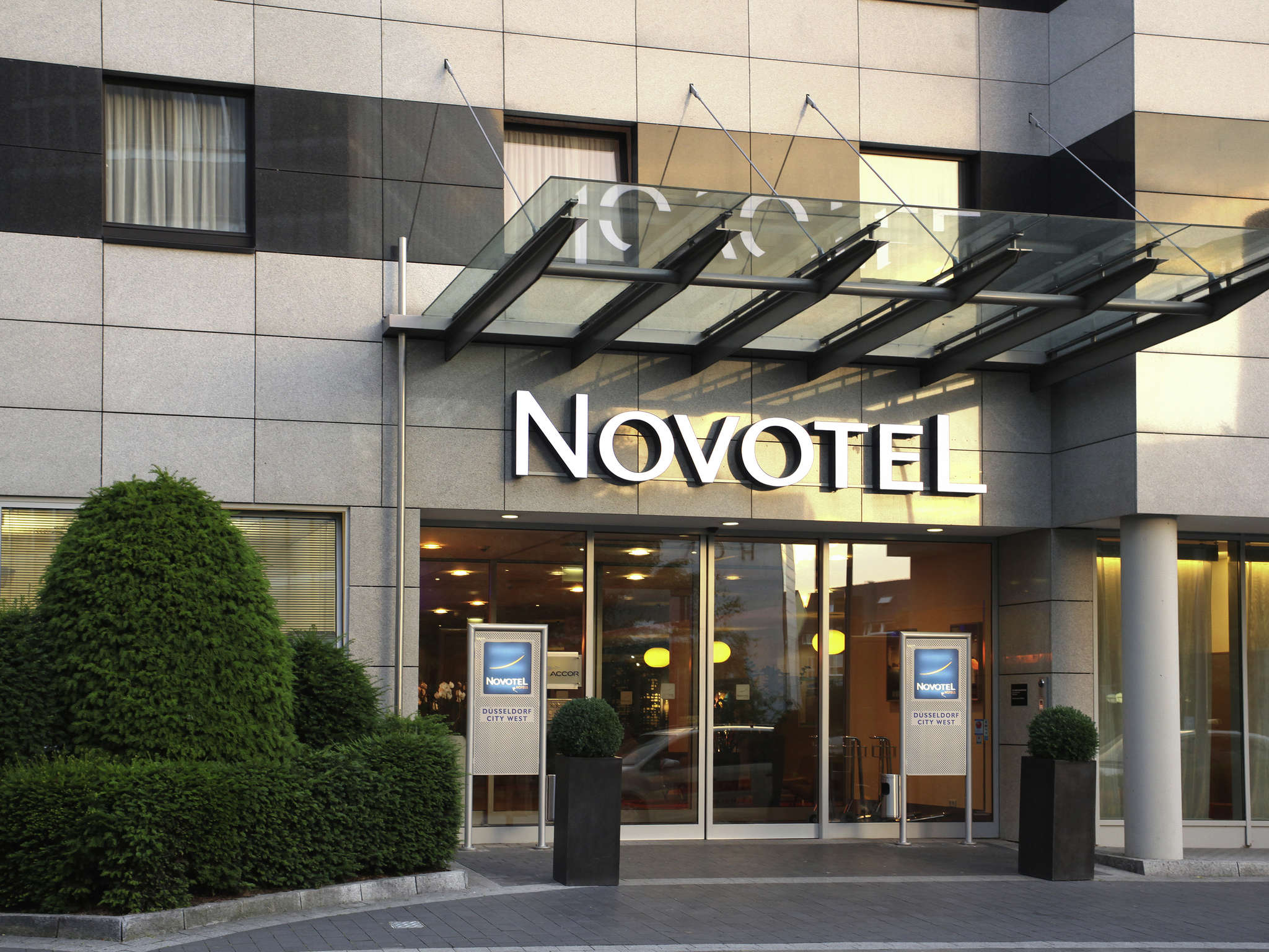 Hôtel - Novotel Duesseldorf City West (Seestern)