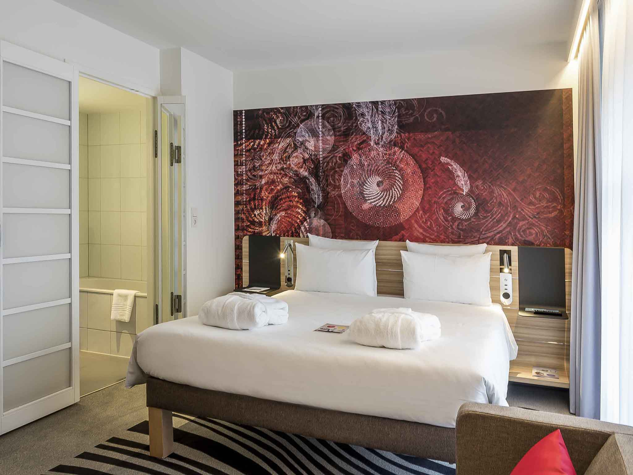 Hotel Novotel Munich City. Book now! Free Spa with Pool!
