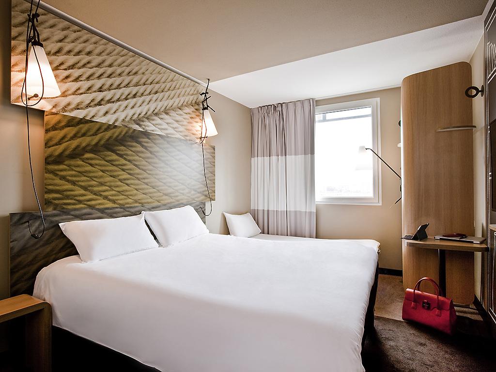 Cheap hotel clichy ibis paris porte de clichy centre - Theatre berthier porte de clichy ...
