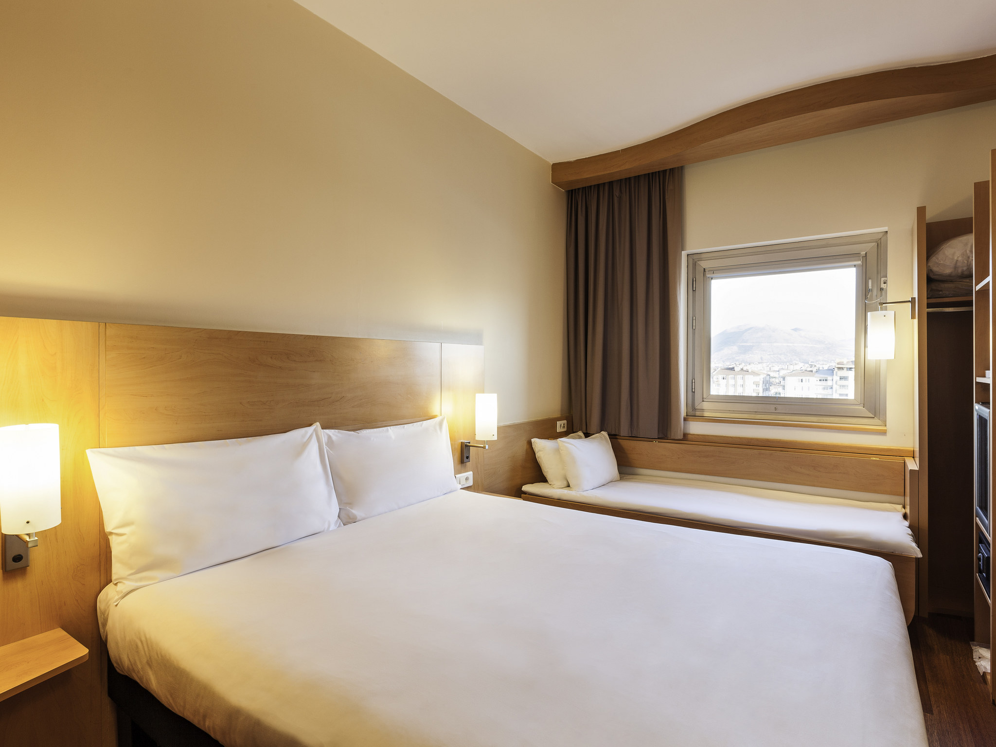 wonderful code postal roissy charles de gaulle 9 hotel ibis roissy cdg paris nord 2. Black Bedroom Furniture Sets. Home Design Ideas