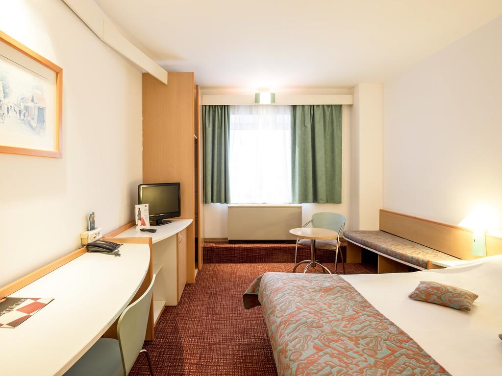 Matrimonio Bed Size : Hotel in bucharest ibis gare de nord