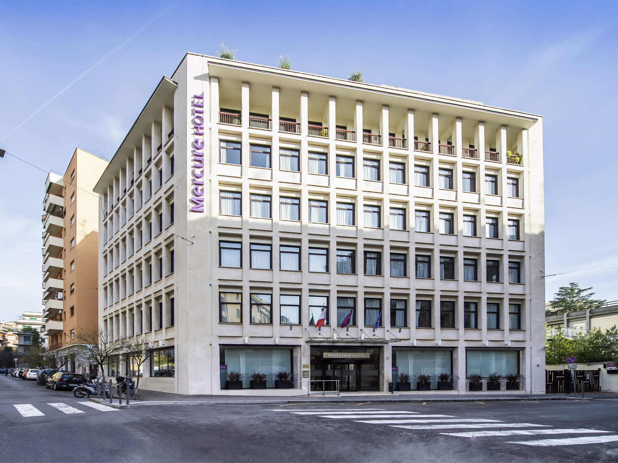Отель — Mercure Рим Площадь Болонии