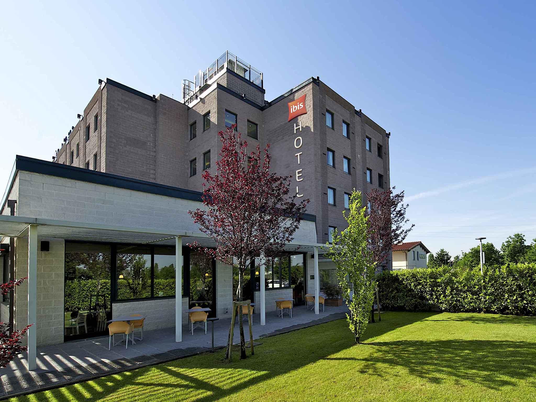 โรงแรม – ibis Firenze Prato Est