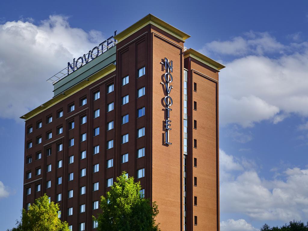 Hotel torino novotel torino corso giulio cesare for Hotels turin