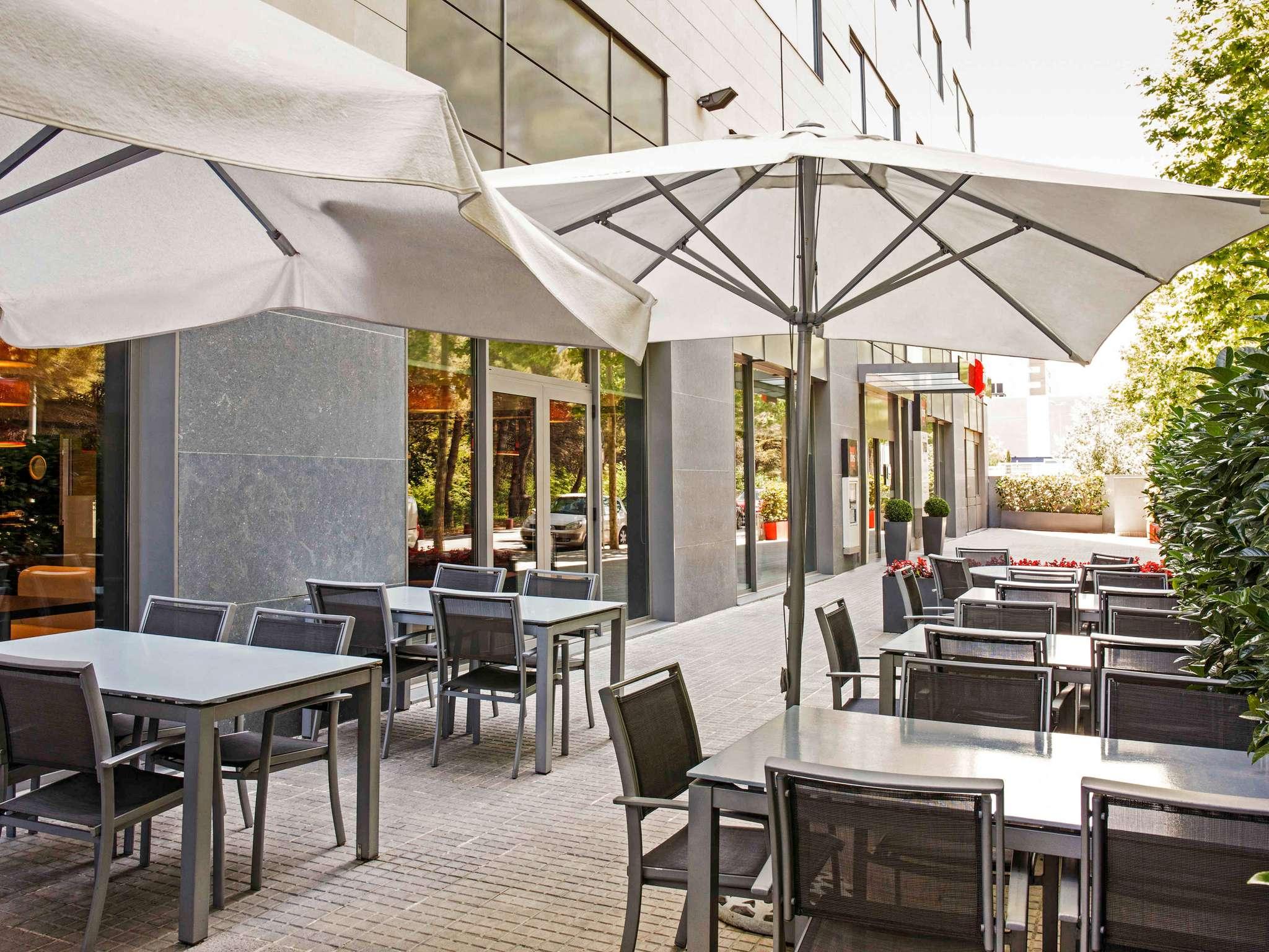 Отель — ibis Barcelona Mollet