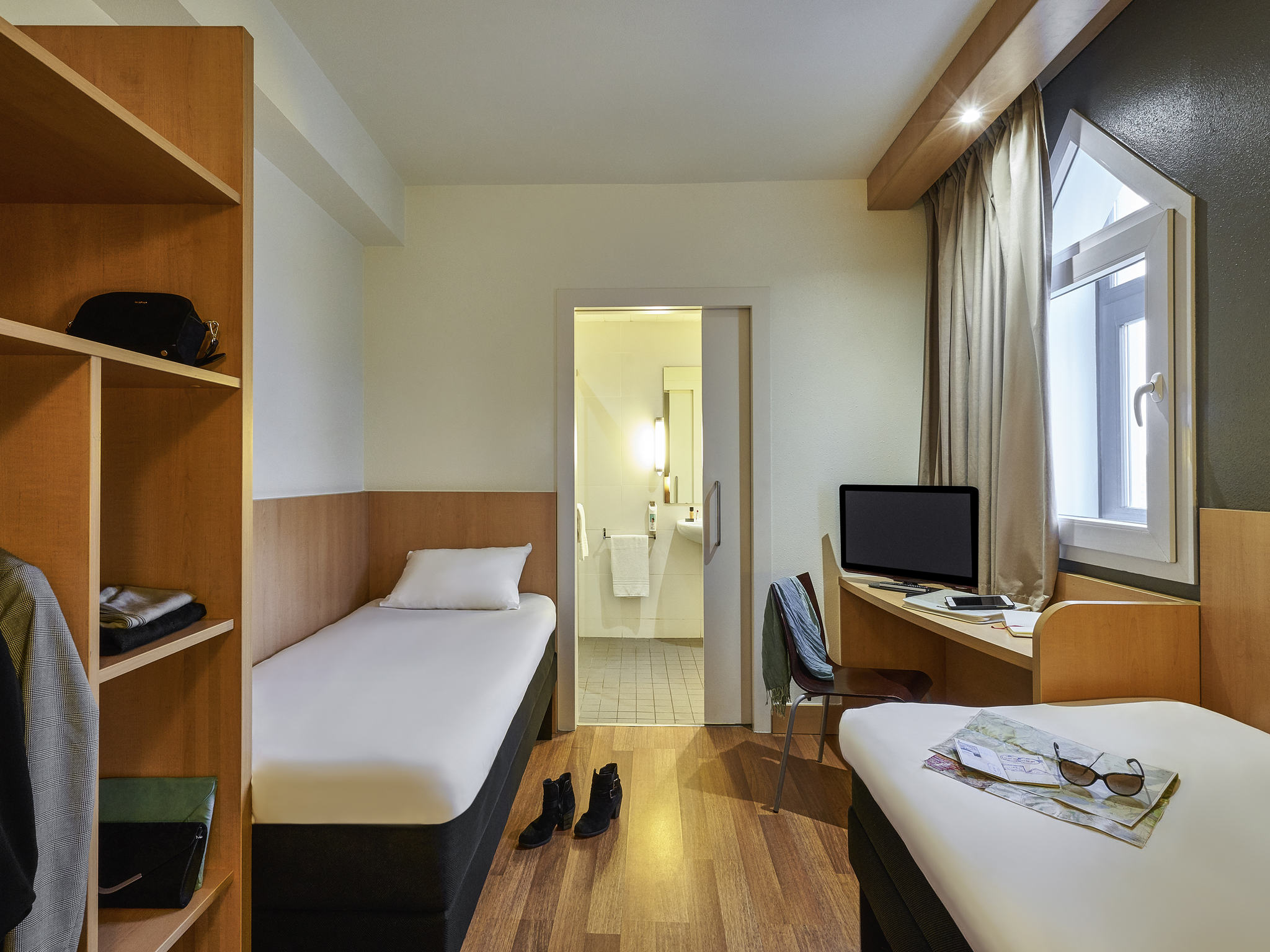 Hotel in BARCELONA - Book your economic ibis hotel in Barcelona