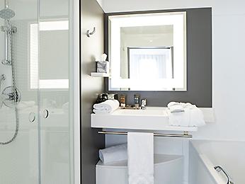 h tel rueil malmaison novotel suites paris rueil malmaison. Black Bedroom Furniture Sets. Home Design Ideas
