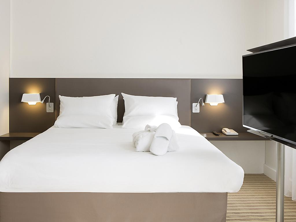 hotel in rueil malmaison novotel suites paris rueil. Black Bedroom Furniture Sets. Home Design Ideas