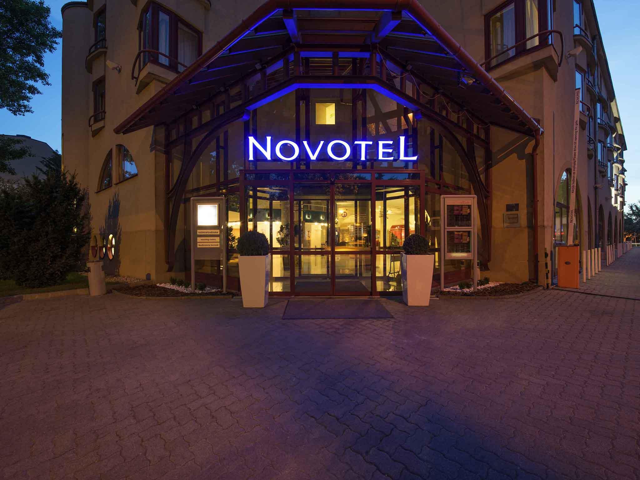 Hotel – Novotel Szekesfehervar