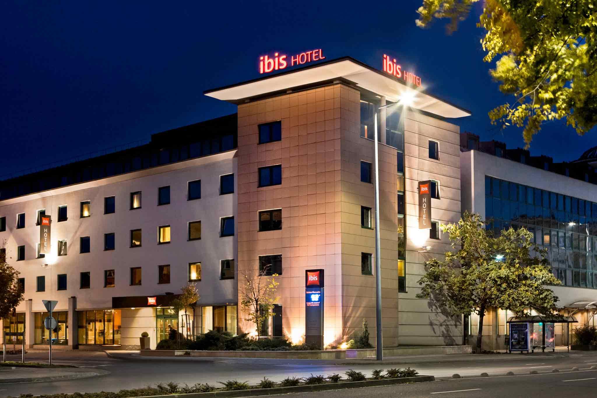 Отель — ibis Gyor