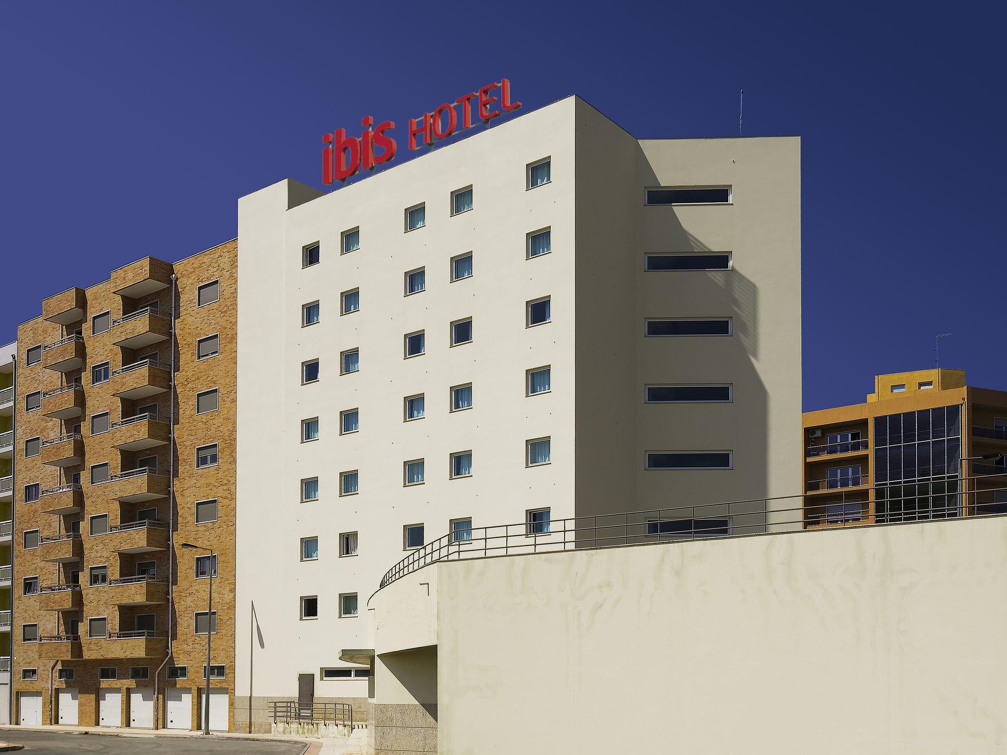 Отель — ibis Braganca