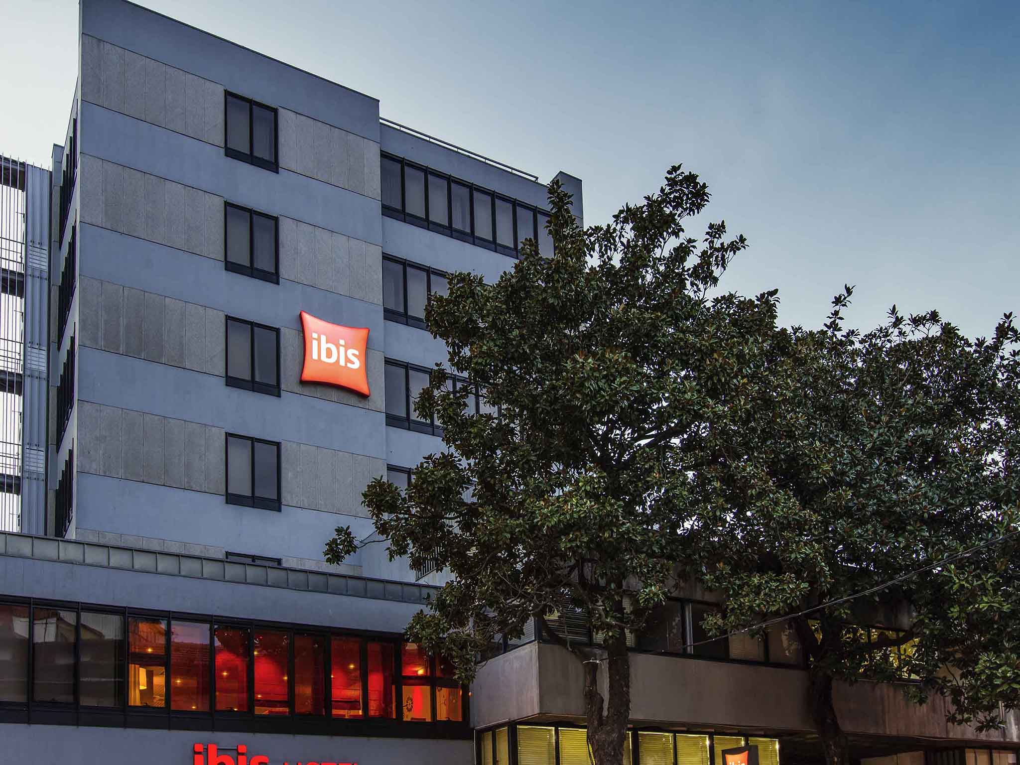 โรงแรม – ibis Porto Centro