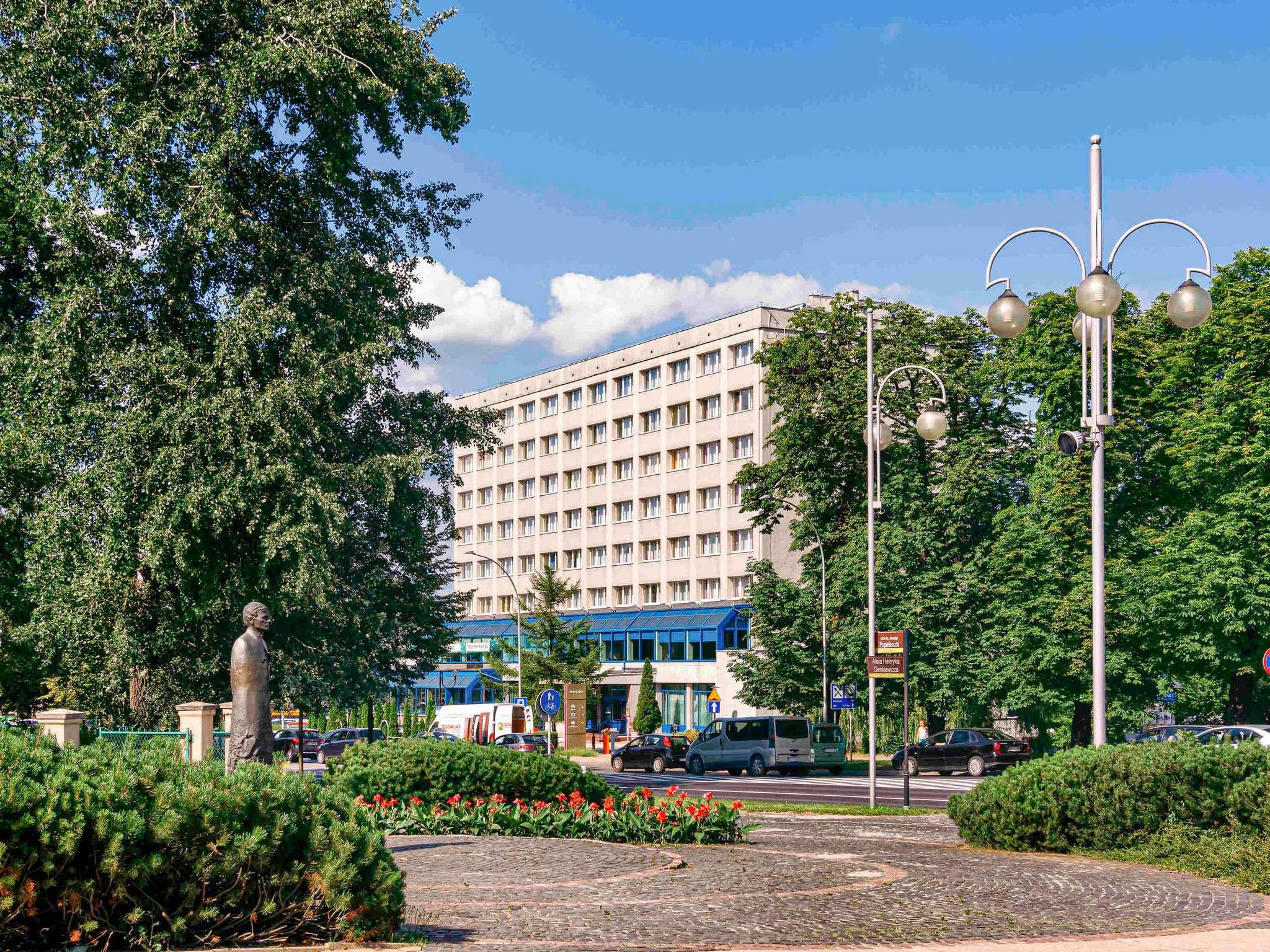 โรงแรม – Hotel Mercure Czestochowa Centrum