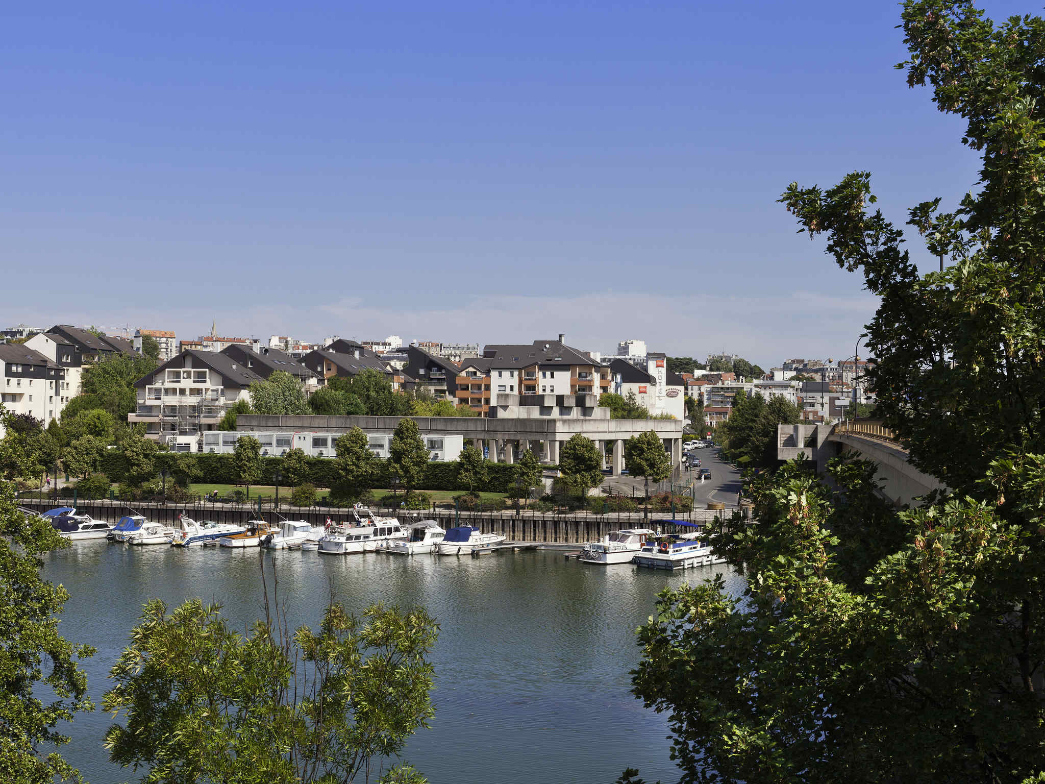 فندق - ibis Nogent-sur-Marne