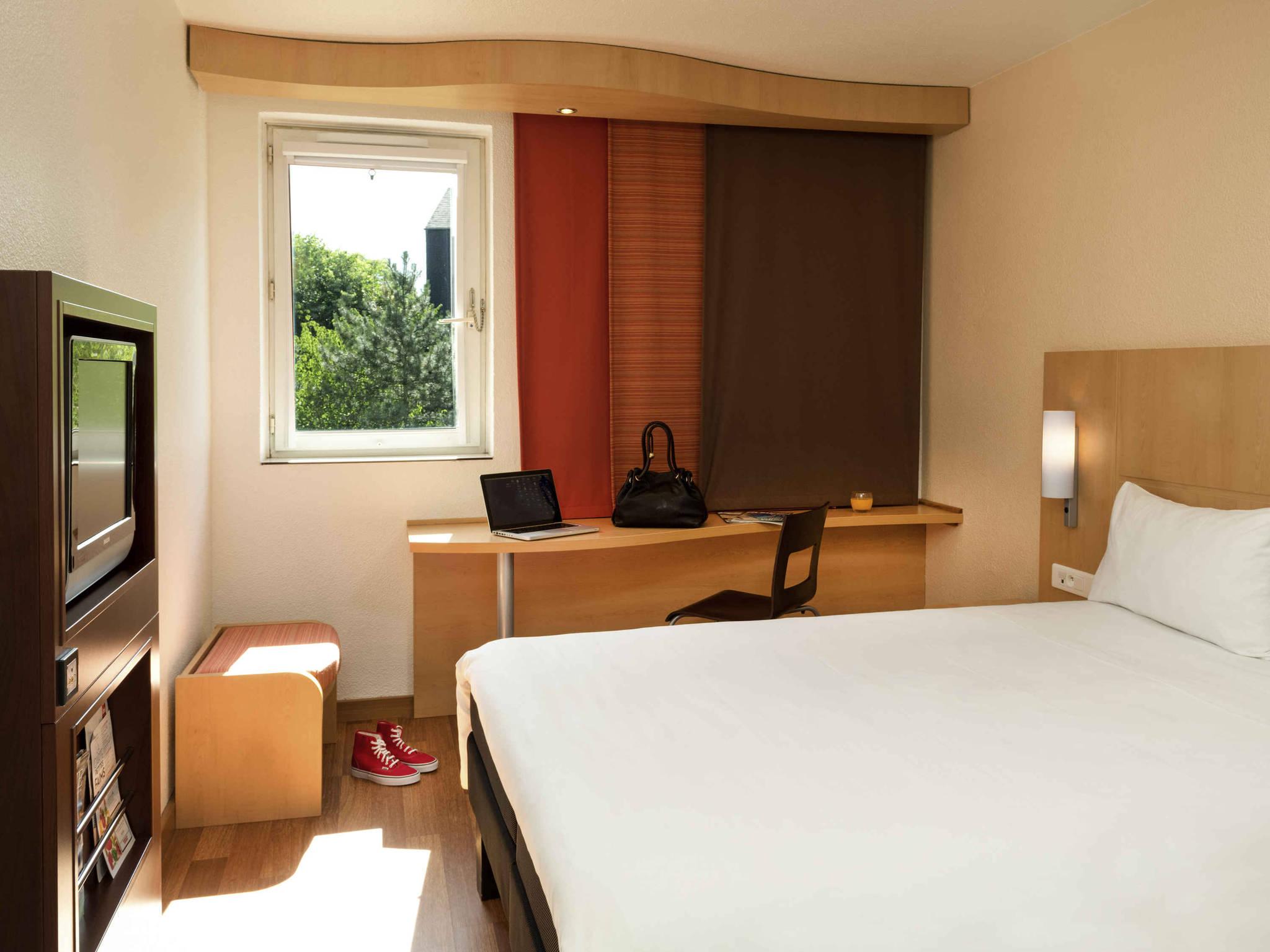 hotel in nogent sur marne ibis nogent sur marne. Black Bedroom Furniture Sets. Home Design Ideas