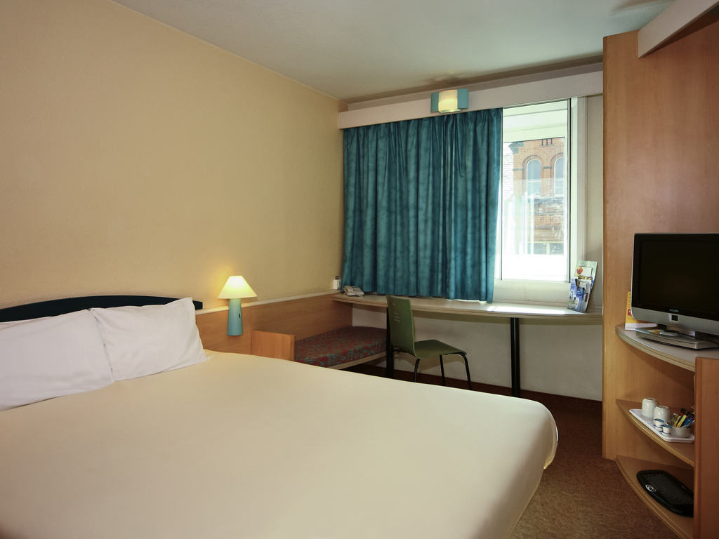 Double Sweet Room By Ibis Bathroom