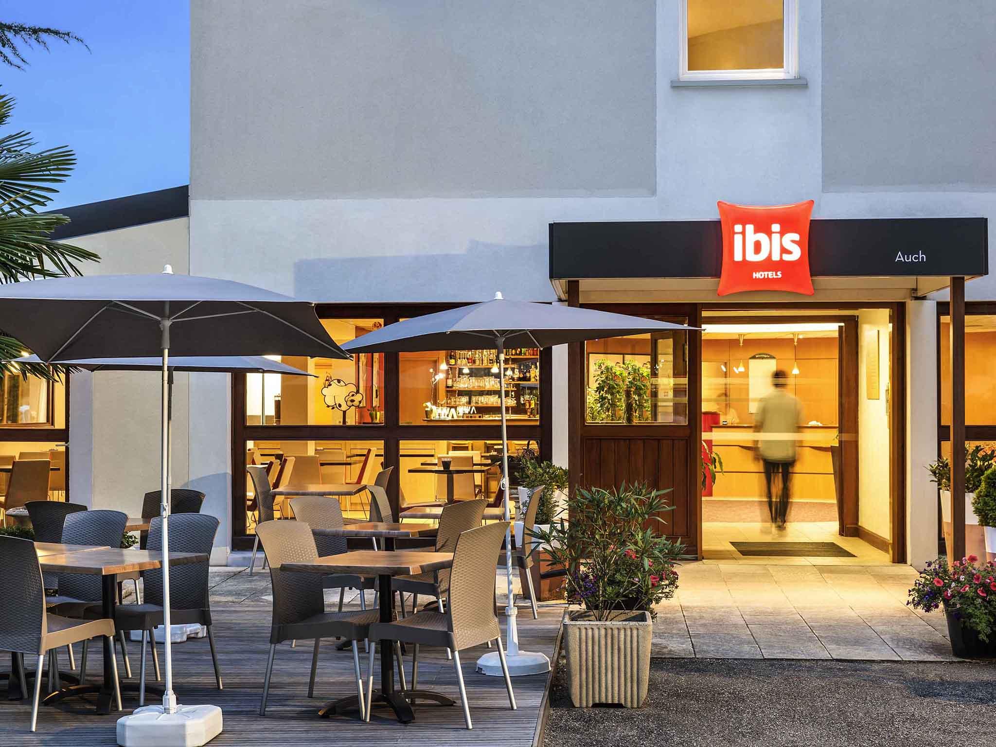 Отель — ibis Auch