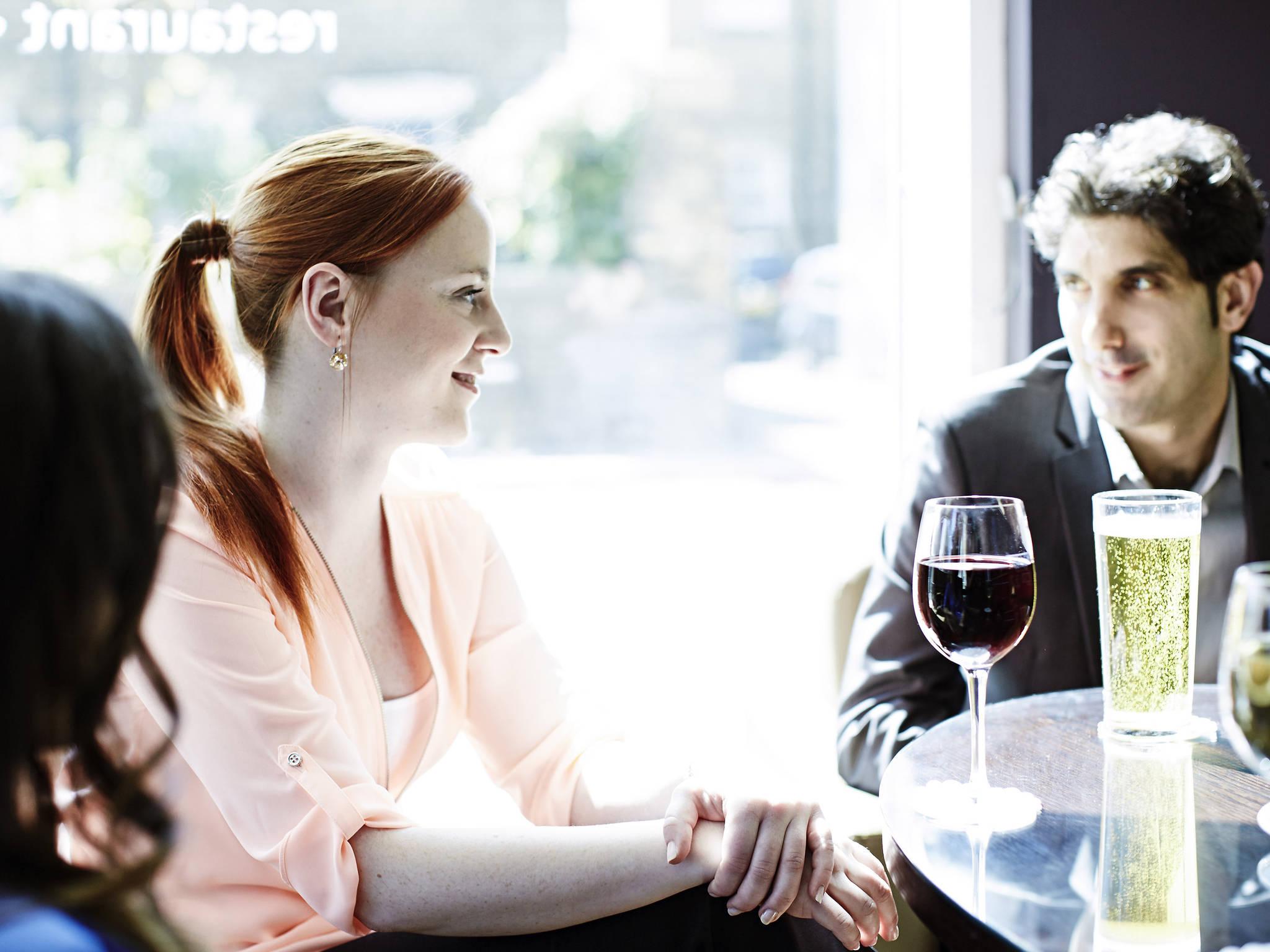 Nigdzie w afryce online dating