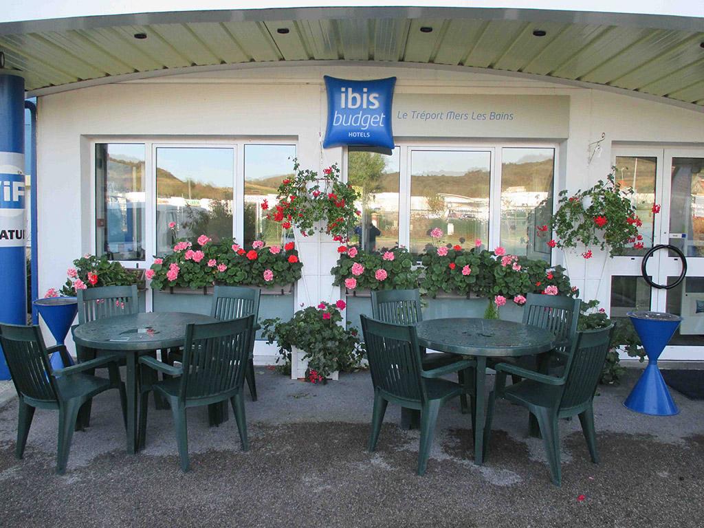 cheap hotel mers les bains ibis budget le tr port mers les bains. Black Bedroom Furniture Sets. Home Design Ideas