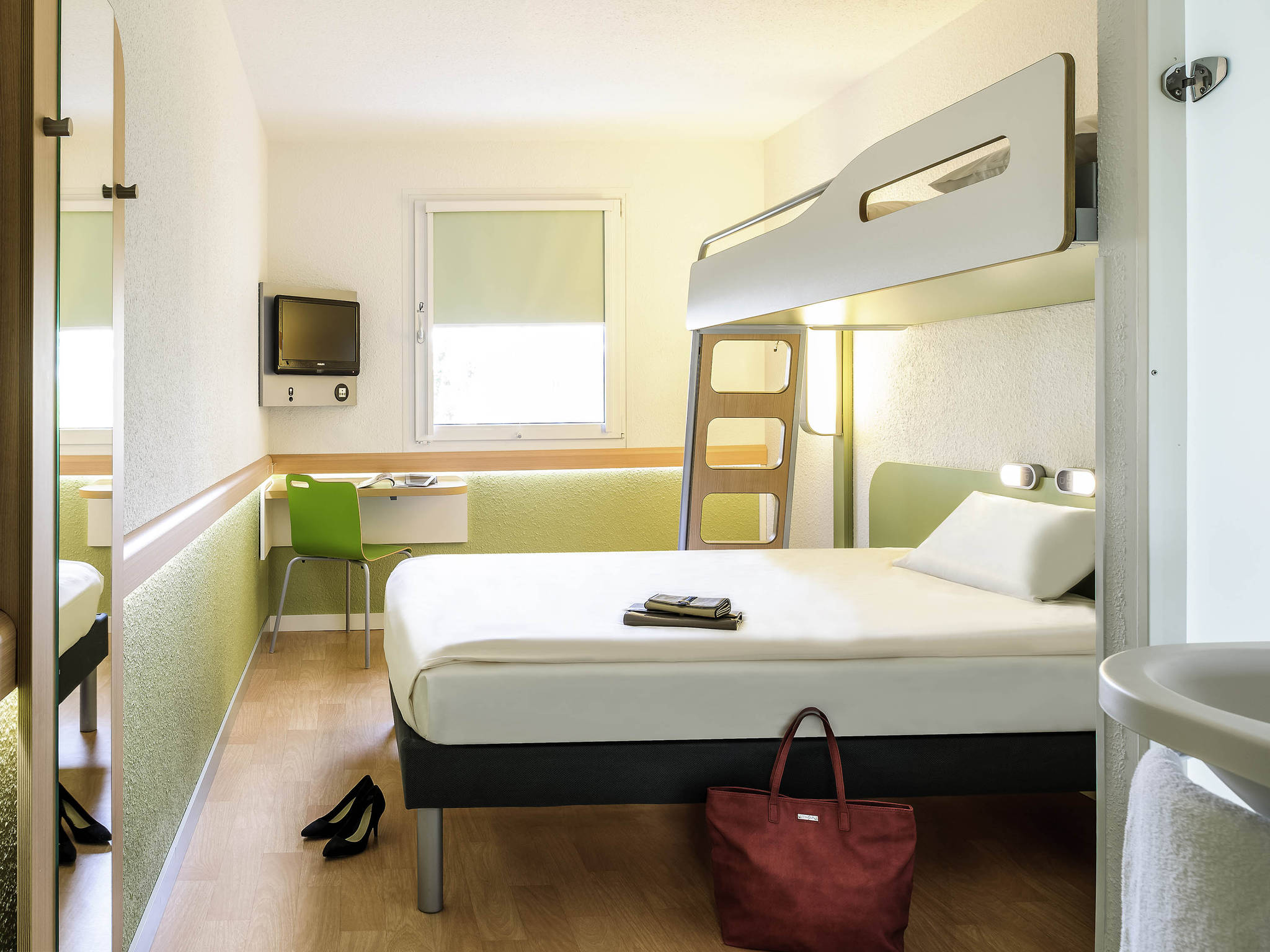Hotel a marsiglia ibis budget marseille est saint menet