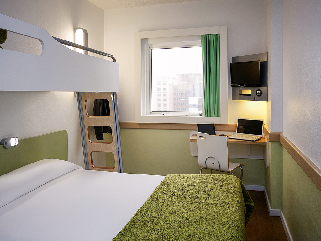 Kyriad les ulis courtaboeuf les ulis book your hotel - Courtaboeuf les ulis ...