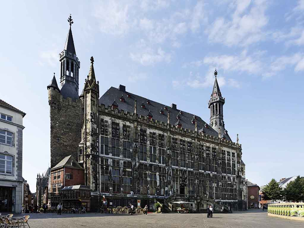 Hotel aachen novotel aachen city for Designhotel aachen