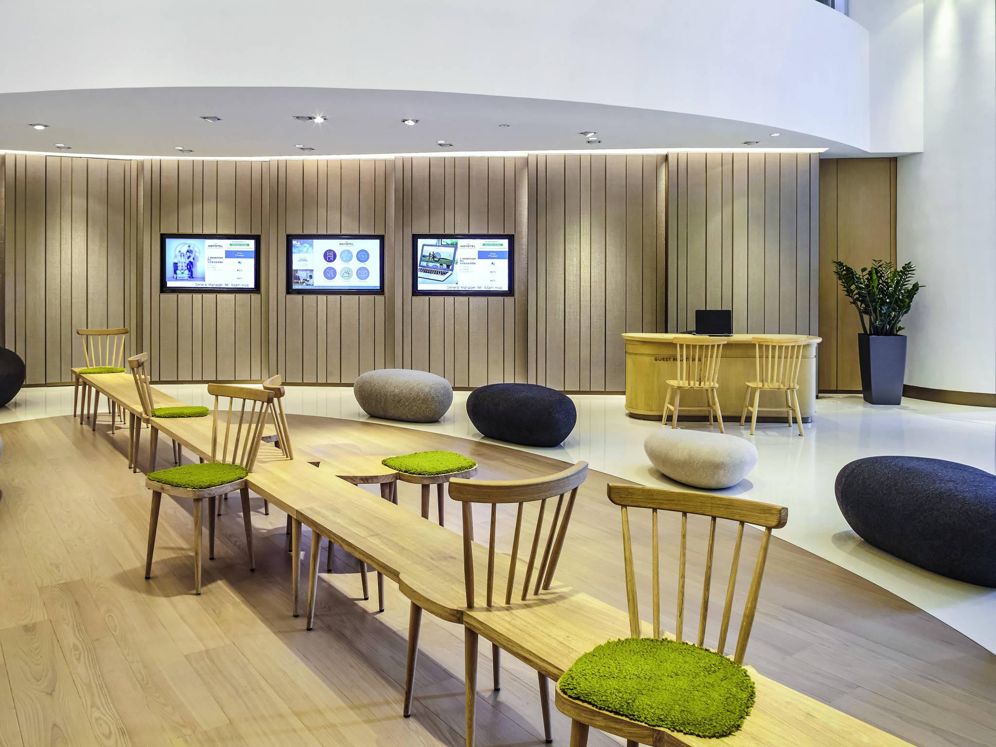 Hotel in HONG KONG Novotel Hong Kong Century