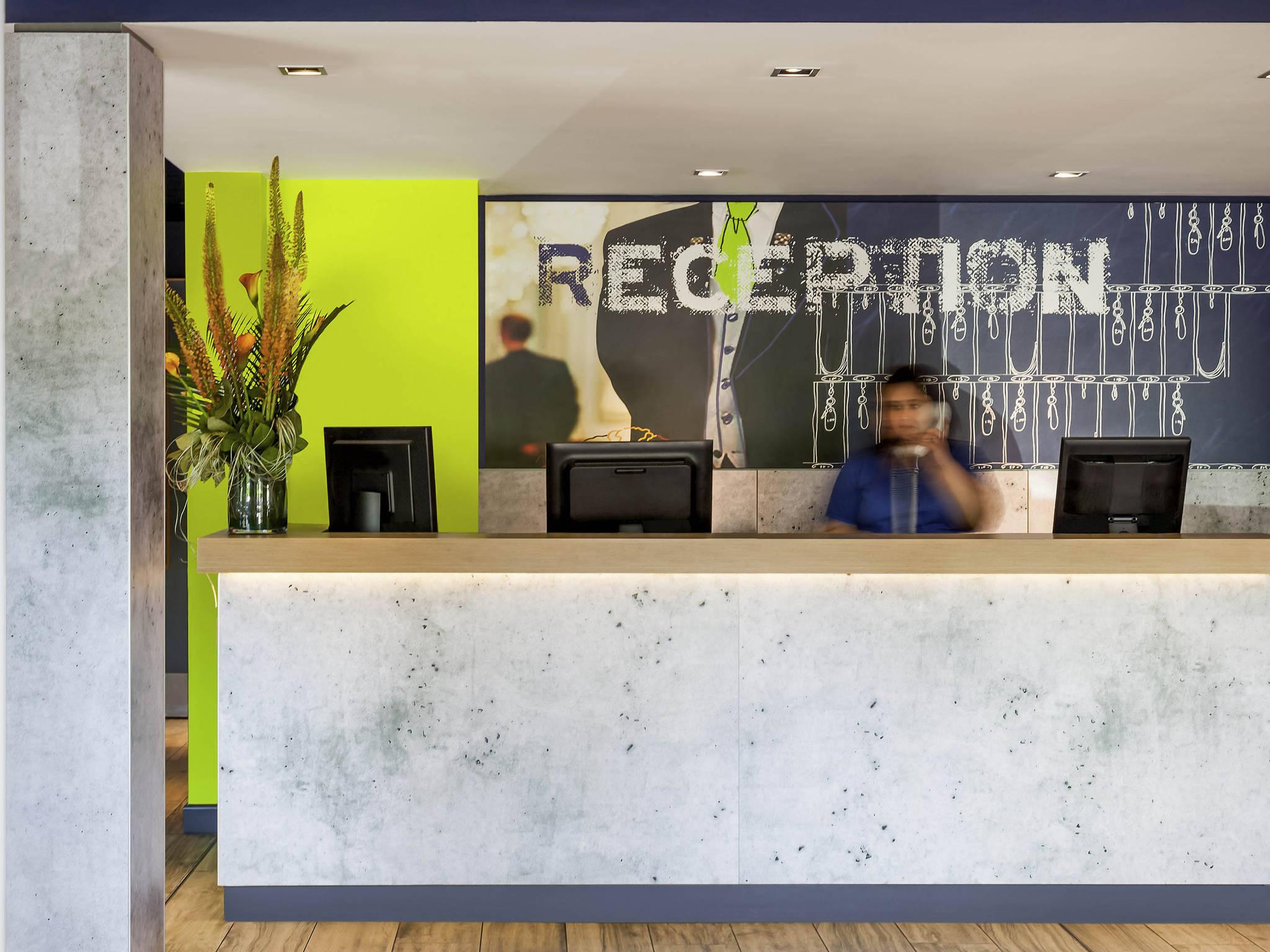 Hotel – ibis budget London City Airport