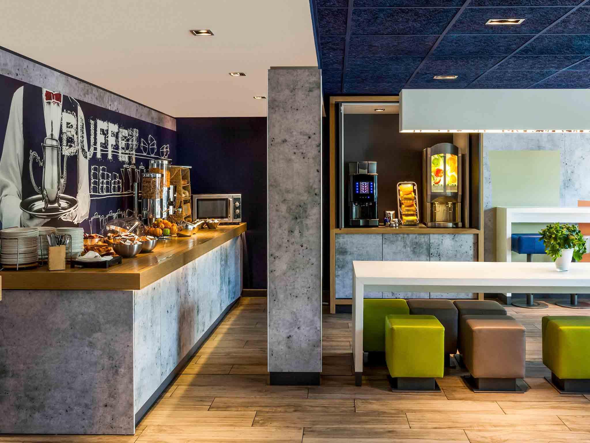 Hotel en londres ibis budget londres city aeropuerto for Hotel adagio londres